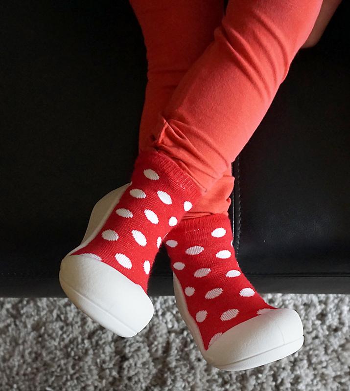 attipas-polka-dot-lauflernschuhe-rot-kinder-barfussschuhe-divata